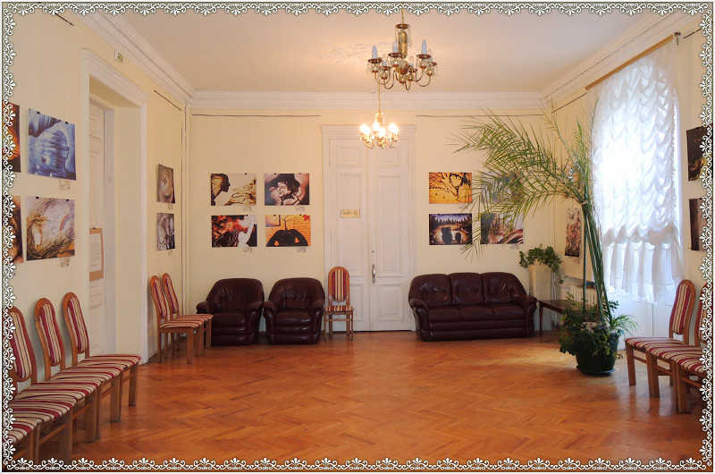 kiev-house-of-scientists-showroom-1.jpg