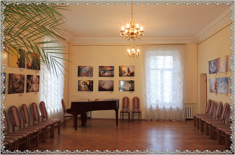 kiev-house-of-scientists-showroom-5.jpg
